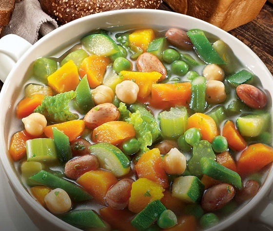 mineastra di verdure ed ortrugo; un insolito ma efficace abbinamento