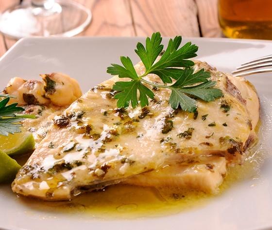 il vino ortrugo esalta le caratteristiche del pesce spada